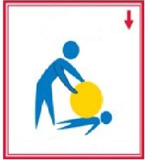 Pressão profunda com a bola, almofadas ou travesseiros em cima do corpo. Atividades sesnsorias que são calmantes para sistema nervoso.