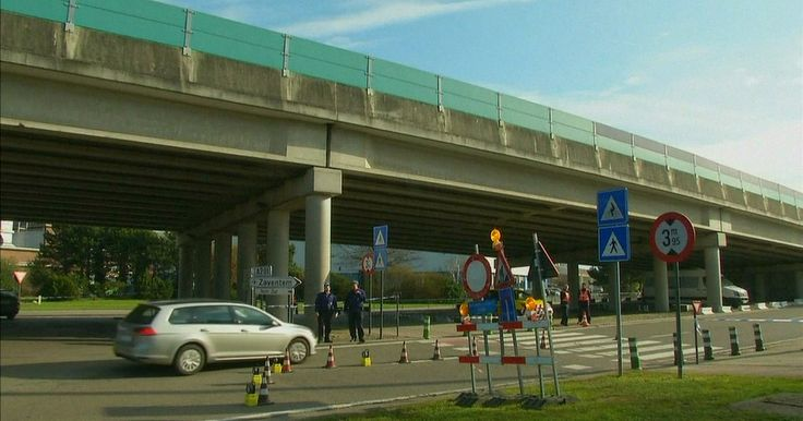 Aeroporto de Bruxelas reabre com forte esquema de segurança