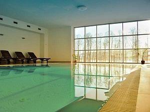 Sleva na pobyt 54% - Lipno: 3-6 denní pobyt pro DVA v Hotelu Orsino s polopenzí a vstupem do bazénu.
