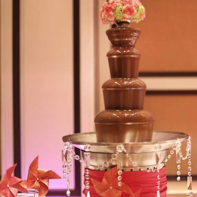how to clean chocolate fountain machine