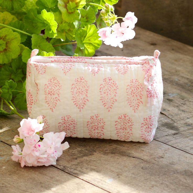 Hand Block Printed Wash Bags // ibbi direct