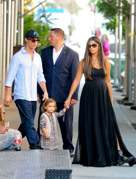 Camila Alves Skinny Matthew McConaughey and his pregnant wife Camila Alves hold hands with their children Levi and Vida as they dine out in Soho.