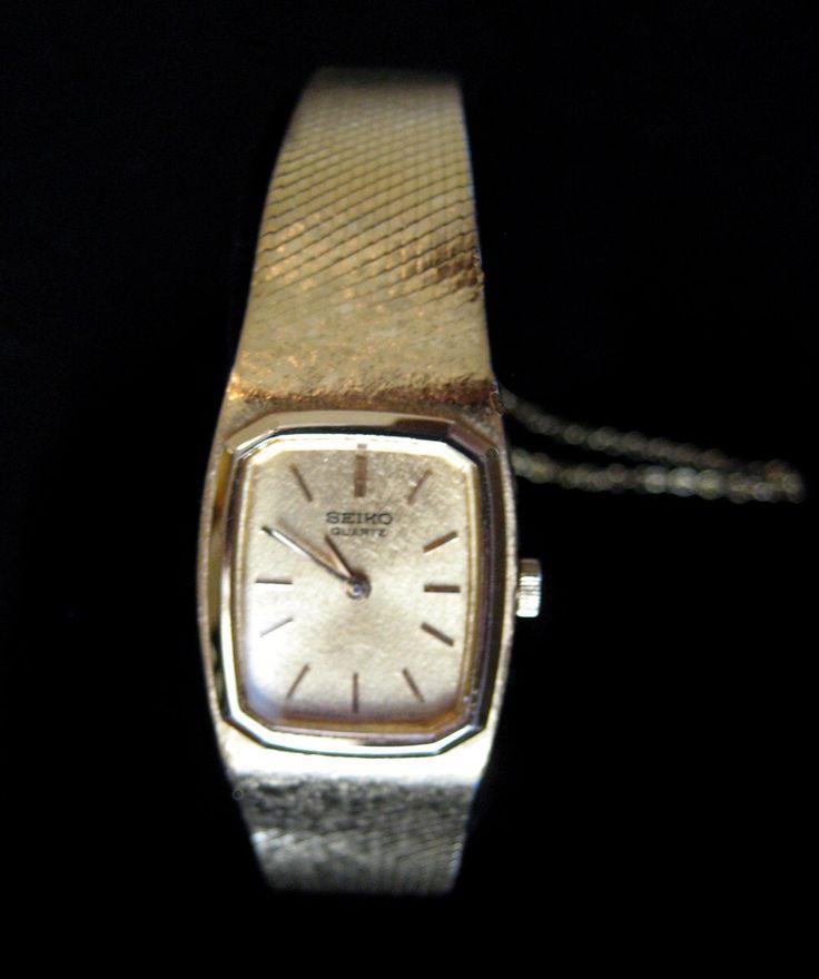 Retro Seiko Dress Watch - Quartz Ladies Seiko Fashion Watch - Woman's Seiko Watch - Elegant Gold Tone Vintage Ladie's  Seiko Watch by RedDressHanger on Etsy https://www.etsy.com/listing/257243053/retro-seiko-dress-watch-quartz-ladies