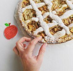 Βουτυρόμελο: Πάστα φλώρα με μήλα, κρέμα και κανέλα