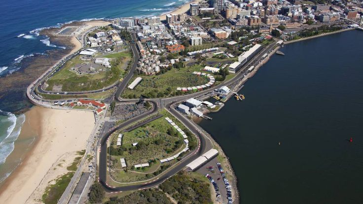 V8 Supercars lock in 2017 date with Newcastle