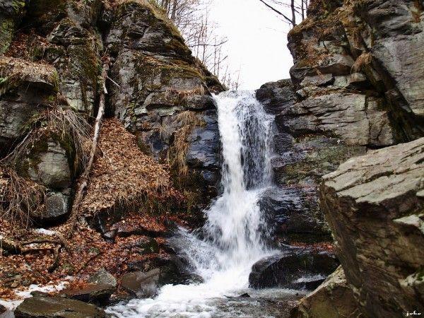 Starohutsky vodopad 2015