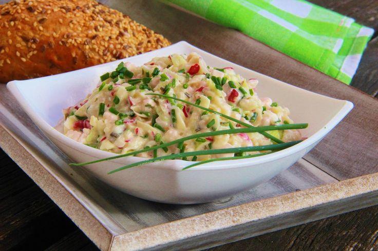 V kuchyni vždy otevřeno ...: Hermelínový salát s ředkvičkami