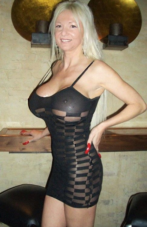 barrow single mature ladies Mature land - naked mature and older women picture galleries sexy moms posing nude at home naughty housewives post their homemade sex photos on the net.