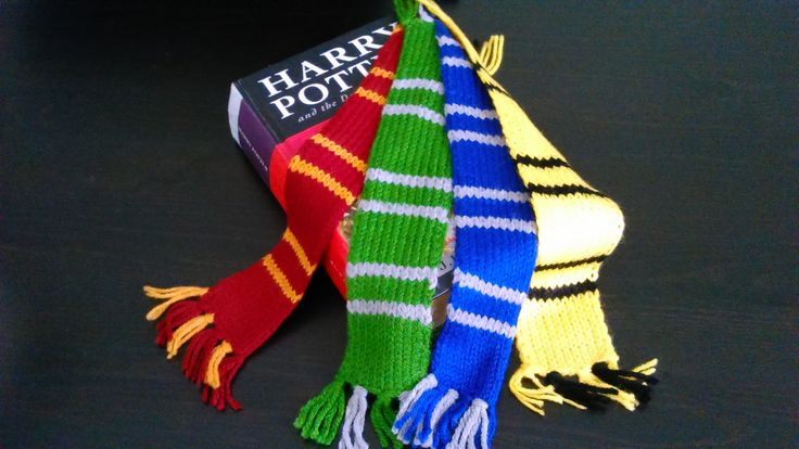 Harry Potter hand-knitted bookmarks all 4 Houses scarf-pack!