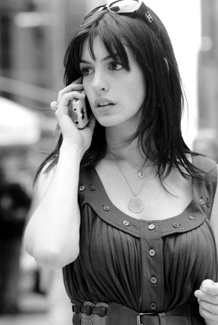 "Anne Hathaway em ""O Diabo veste Prada"""