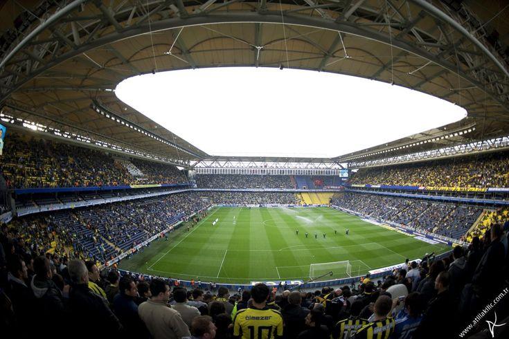 Have you ever been to Şükrü Saraçoğlu Stadyumu, Fenerbahce?