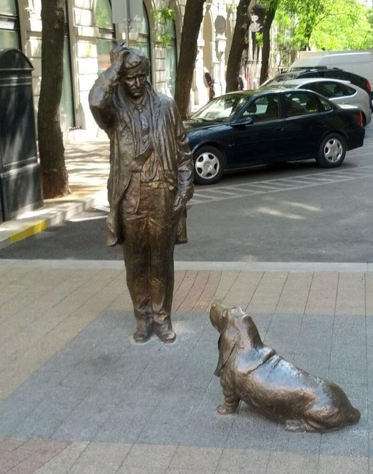 """""""Budapest has paid tribute to dishevelled detective Lieutenant Columbo by erecting a statue in honour of Peter Falk, the man who brought the classic TV character to life."""
