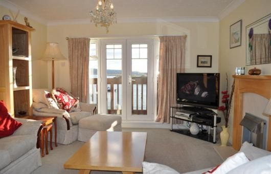 ***New property*** Introducing Seafarer, situated in a quiet location on the edge of Portland Harbour at Ferrybridge, the southerly tip of Weymouth. This super three storey town house has wonderful views. This property has three bedrooms sleeping six for further information www.dream-cottages.co.uk