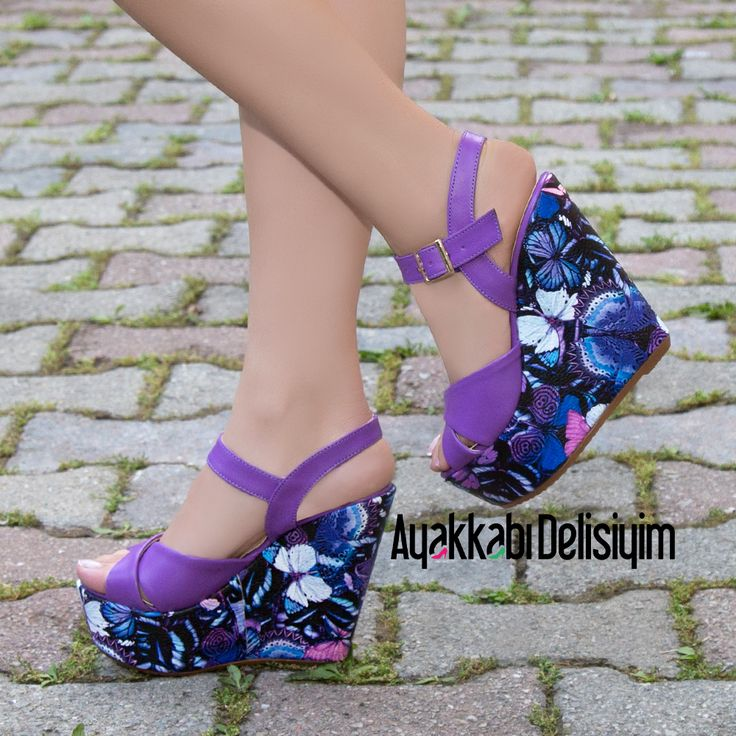 Mor Kelebekli Dolgu Topuklu Ayakkabı #purple #butterfly #heels