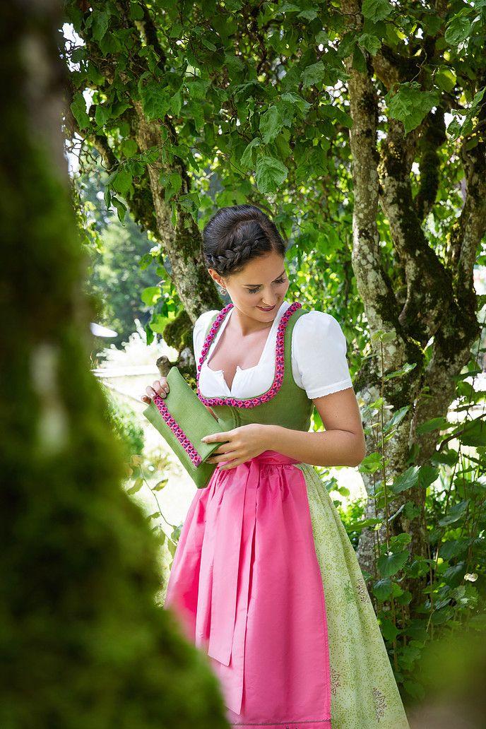 Die Produkte von Ausseer Handdrucke werden mit äußerster Präzision und Liebe zum Detail in Salzburg und in der Steiermark handgefertigt.