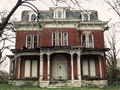 The Spooky Stories Behind 10 Of America's Most Famous Haunted Houses