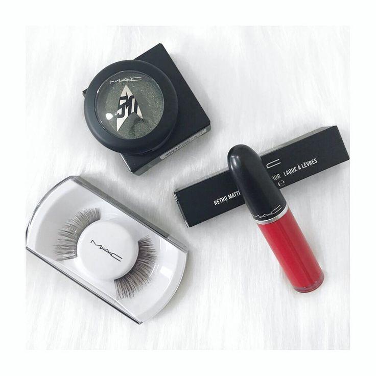 Makeup Time ���� ⠀⠀⠀⠀⠀⠀⠀⠀⠀⠀⠀⠀⠀⠀⠀⠀ Ultimas aquisições da sale #maccosmetics pra uma produção glam num sábado a noite tem coisa melhor?! �� . . . . . . #saturday #saturdaynight #makeup #maquiagem #make #comprinhas #beauty #beleza #cosmeticos #cosmetic #mac  #batom #eyes #cilios #redlips #sabadoanoite #newin #beautyblogger #beautytips #instablogger #salvador #love #picoftheday #photooftheday #feed #igers #amazing http://ameritrustshield.com/ipost/1554689541499283334/?code=BWTXeahFGeG