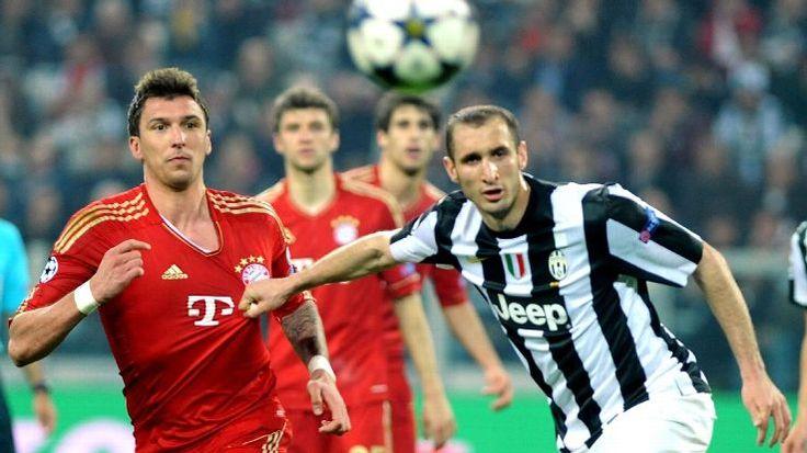 Juventus bek tengah Giorgio Chiellini kembali berlatih di tim pertama,yang menandakan pemulihan dari cedera betis yang diderita pada bulan Februari.