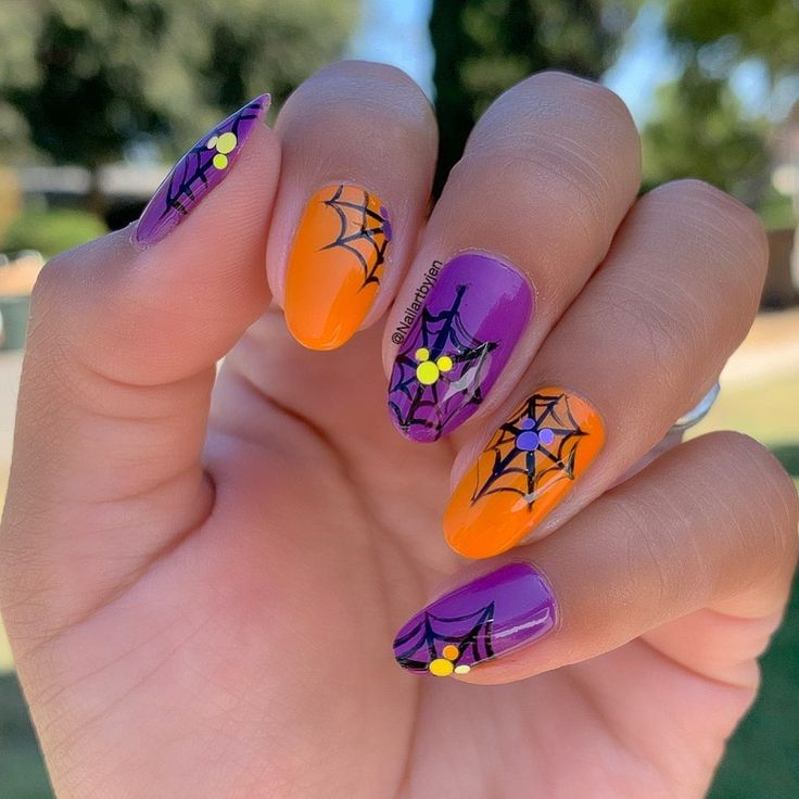Mickey Halloween nails! Using: Stop Beachfrontin' & Good ...