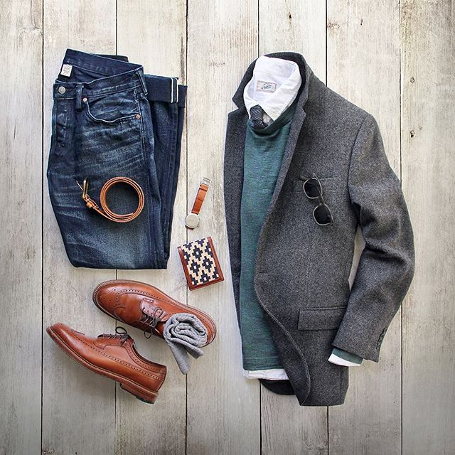 Chasing fall. Wallet: @la_matera Diplomatica–Argentine Woven Fabric, Italian Calfskin Belt: @la_matera Campeonato Belt Watch: @miansai M12 Sweater/Shirt: @grayers Socks: @americantrench Denim: Double RL @ralphlauren Blazer: @jcrew Tie: @thetiebar Shoes: Alden Longwing #la_matera #collab #flatlay
