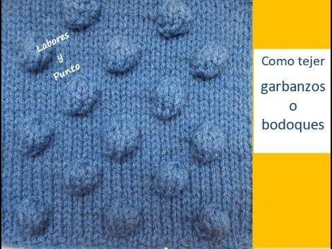 En este vídeo aprenderás a tejer bodoques o garbanzos grandes en dos agujas. Este tejido abultado, se puede acoplar en cualquier punto y así decorar tus pren...