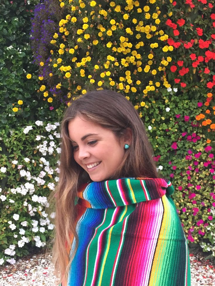 #Bohochic #sarape at la #arena #beach  #Summervibes in the #Basquecountry #spain #Mountain and sea #Lovely #place  #Colours #Mexicanblanket #Mantamexicana #toalla #manta #blanket #deco #bohostyle #hippie #gipsy #Guggenheim #museum #JeffKoons  #Puppy #Flowers #Girl