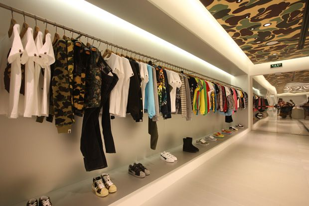Following the announcement a couple of days back, we now offer a closer look into the interior decor of BAPE's latest store openin...
