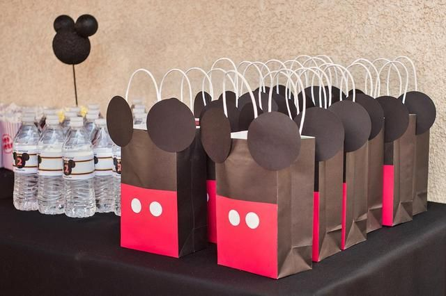 easy thank you bags... black bags with handles, adding red panel and white circles for mickey pants, and black circles for ears