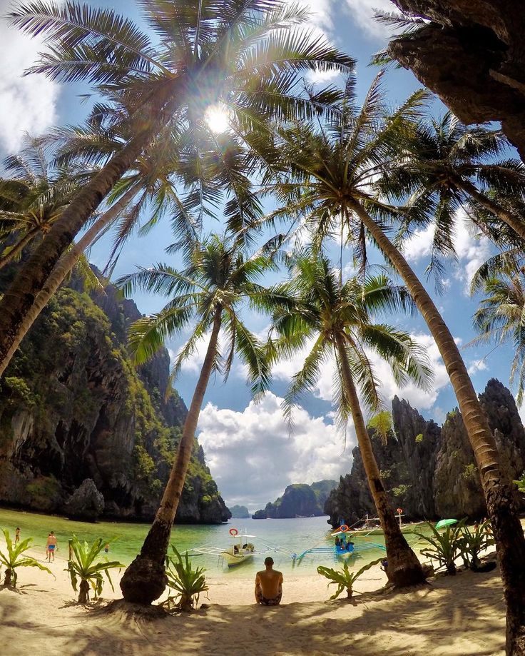 "591 Me gusta, 49 comentarios - Miguel Stau Di (@miguel_stau_di) en Instagram: ""#secretlagoon #philippines #secret #lagoon #elnido #minilocisland #palawan #lifeisgood #travel…"""