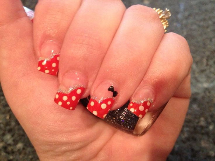 Minnie Mouse nails #disney #nails