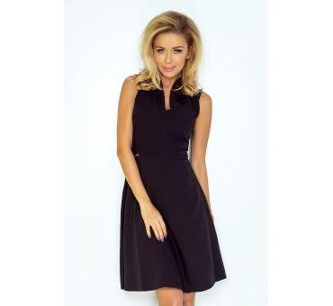 https://galeriaeuropa.eu/sukienki-damskie/700747-133-2-sukienka-ze-stojka-i-dekoltem-czarna