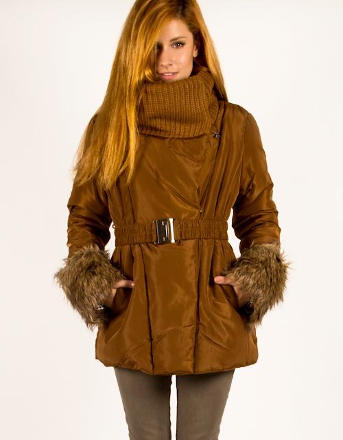 Jacket with fur details, knit neckline and belt on the waist. #fashion #womensfashion #jacket #fur #knit #toimoi #toimoifashion