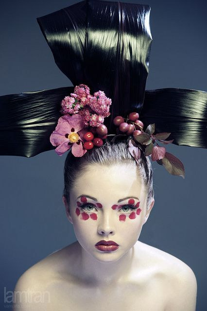 So geisha #makeup #feminine #beauty #color #eyeshadow #eyeliner