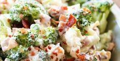 Une délicieuse salade de chou-fleur et de brocoli. Idéales pour votre heure du lunch au bureau, vos collègues de travail en seront jalouses. Elle est fraîche et savoureuse, essayez là !  Ingrédients : 2 tasses (500 ml)de chou-fleur, coupé en p