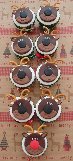 Rudolph the Reindeer and Friends by Victorious Cupcakes, via Flickr