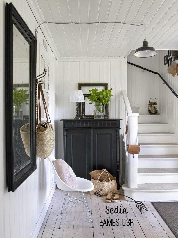 Home Shabby Home:Interior nordico: tocchi di nero, sfondo bianco