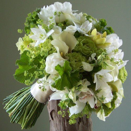 like how soft everything looks, would look really nice with my dress. perfect colored greens and whites