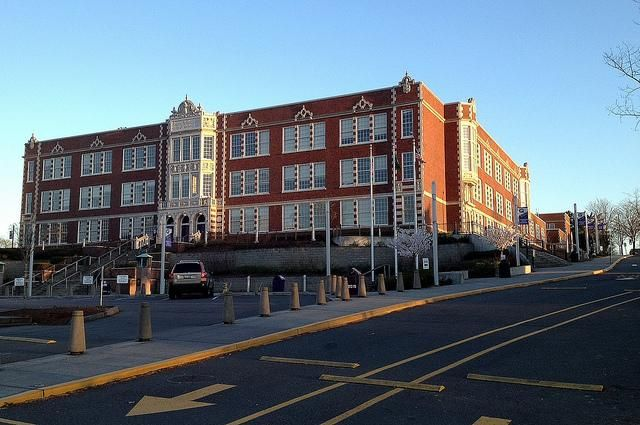 Seattle police arrested a Garfield High School student for threatening to shoot his classmates.