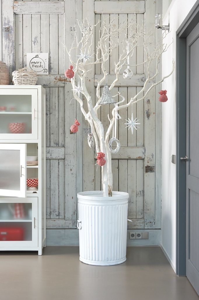 Painted-branch-Christmas-tree - Home Decorating Trends - Homedit