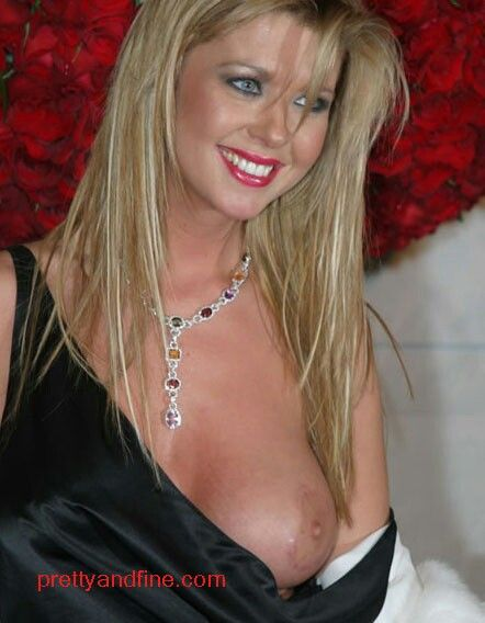 Video trailers of 3somes