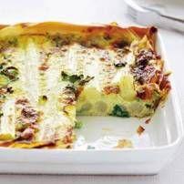 Bladerdeegtaart met asperges en ham.