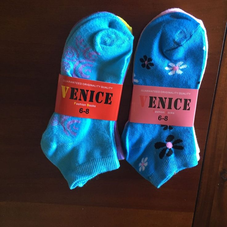 Girls socks size 6-8 years 6 pairs NEW with Tags FREE SHIPPING