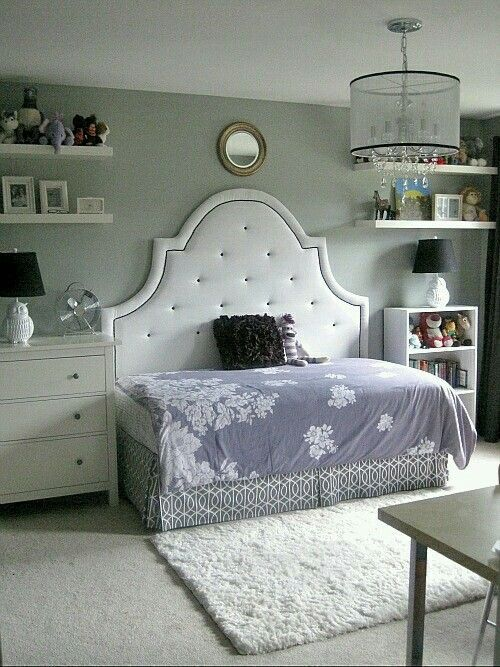 Big Cushion Headboard Over Twin Bed To Make A Dyi Daybed / Couch. Ideal For