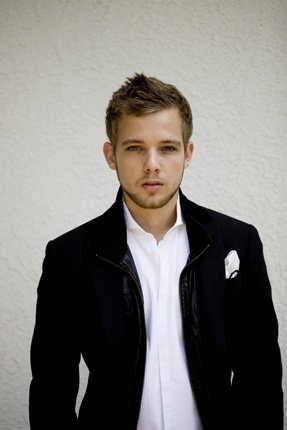 max thieriot -