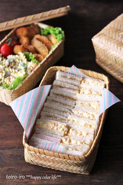 picnic sandwiches- voglio fare picninc per preparare questi mini tiny sandwiches...