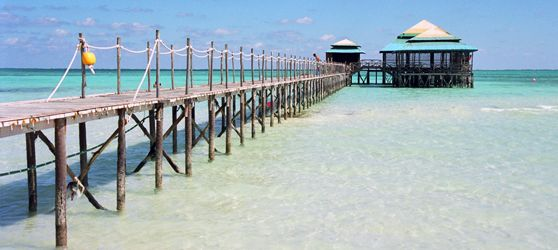 The beachfront location of Club Amigo #Mayanabo #Hotel in http://cubasantalucia.com is absolutely stunning