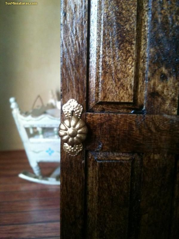 how to: doorknobs certain tutorials amaze me because they are so brilliant and simple. This is one of these !!