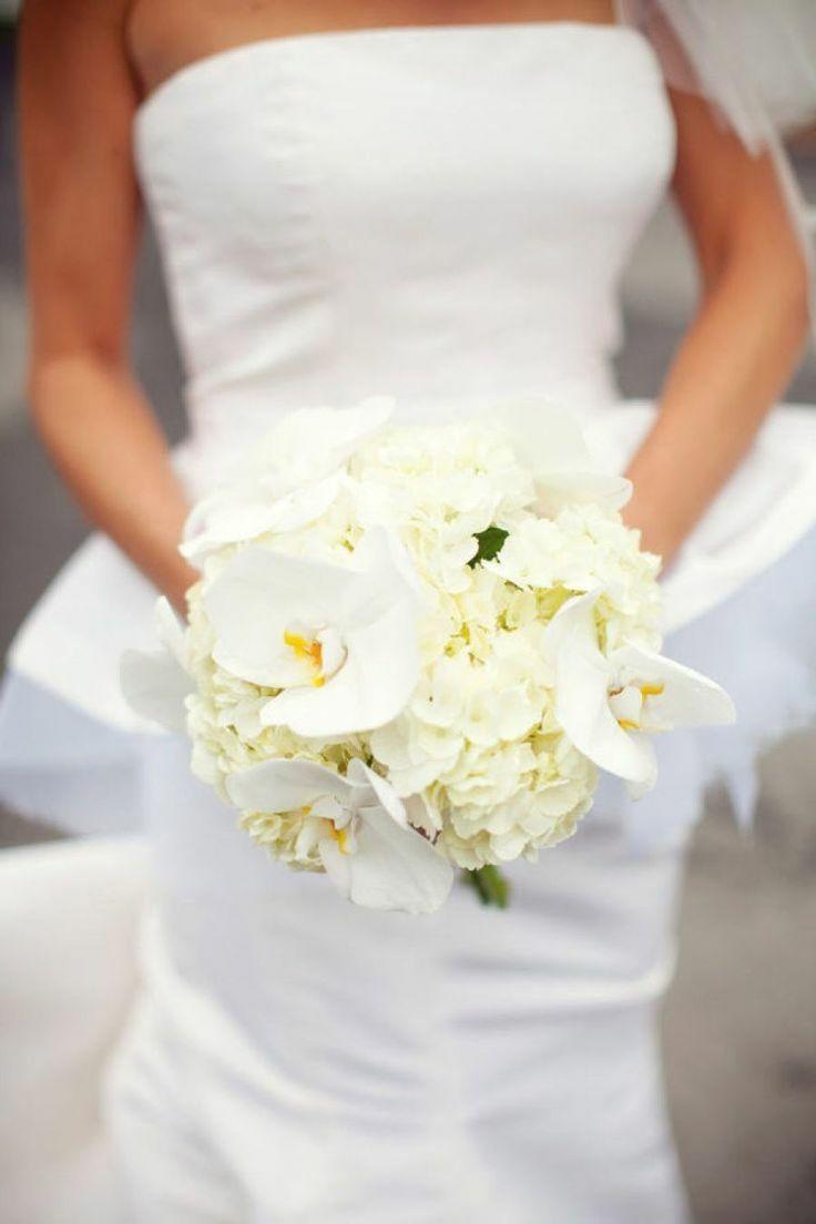 Eleganter Brautstrauß in Weiß mit Orchideen