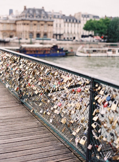 Locks of love in Paris | I want to do this