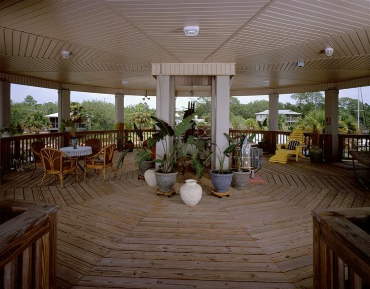 Open veranda under a deltec home houses design ideas for Open veranda design